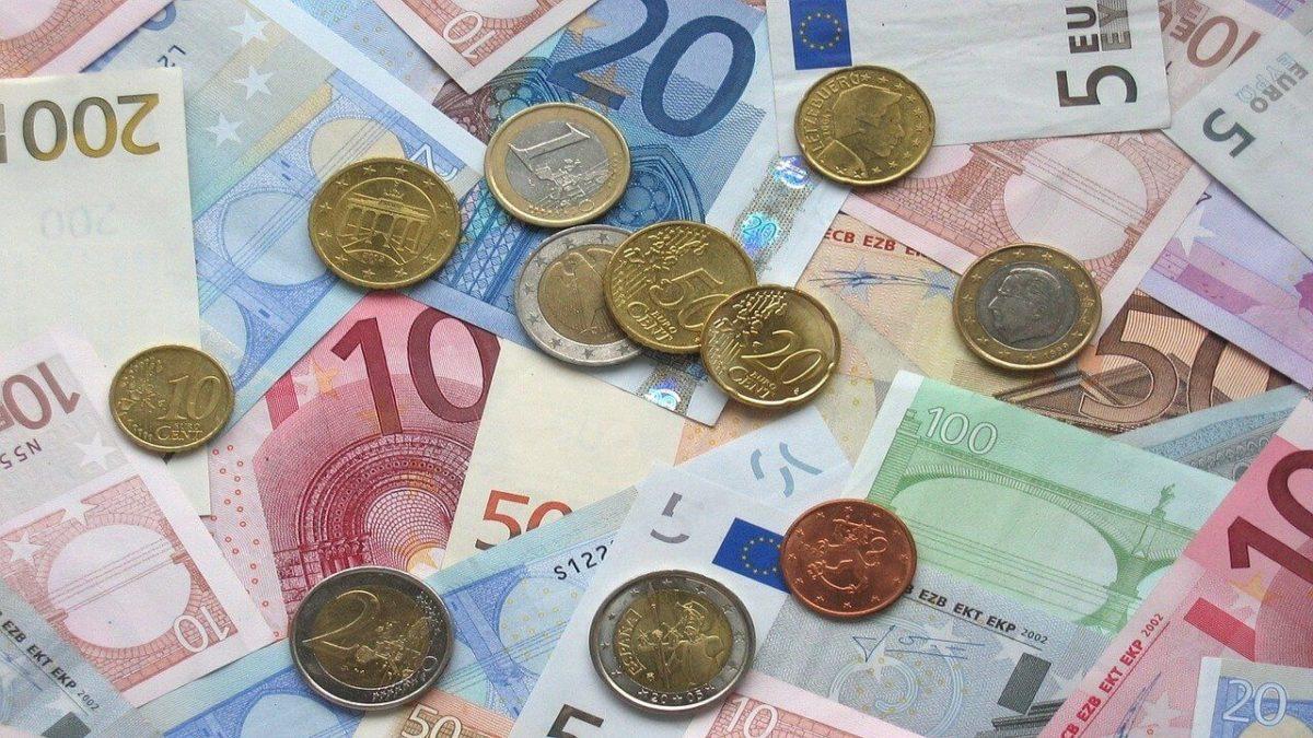 Combien coûte en moyenne la création d'une entreprise SARL, SAS et SA?